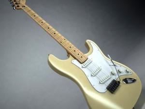 Fender Stratocaster Vintage White