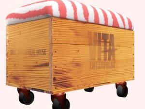 Storage bench with wheels